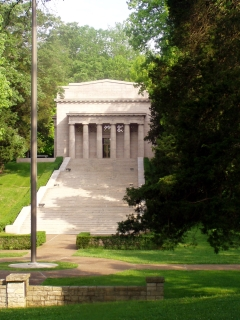 Lincoln�s Ornate Birthplace Memorial